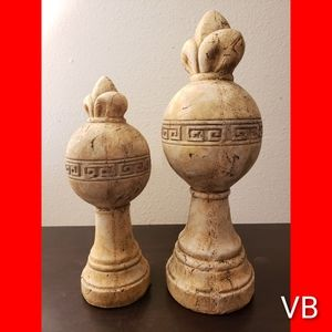 Decorative Finial Statues Set of 2